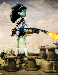 Toy Warz: Monster High and Team Fortress 2